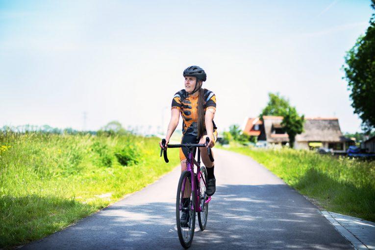 Niké Messelaar on her road bike